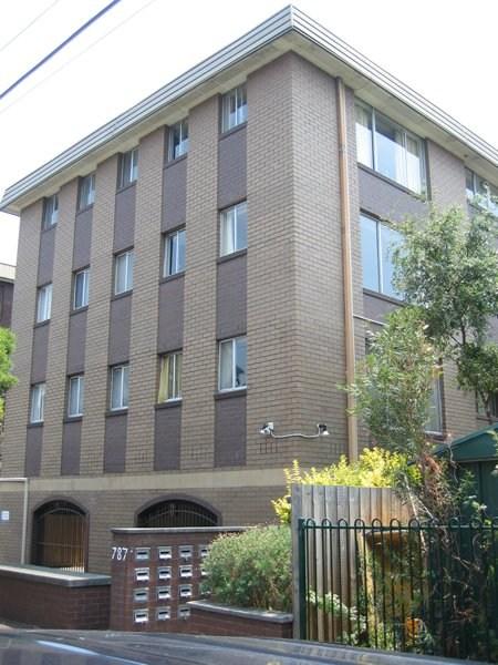 Studio flat apartment park st housing online noticeboard for Furnished studio rent melbourne