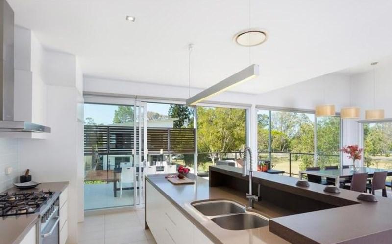 House graceville avenue qut accommodation service - Graceville container house study case brisbane australia ...