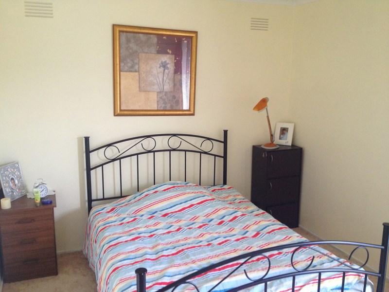 shared house 8 norfolk ave houseme. Black Bedroom Furniture Sets. Home Design Ideas